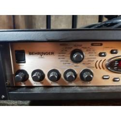 Behringer Bass V-AMP Pro...