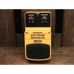 Behringer SE200 Spectrum...