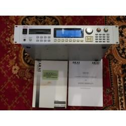 Akai S3000XL MIDI Stereo...
