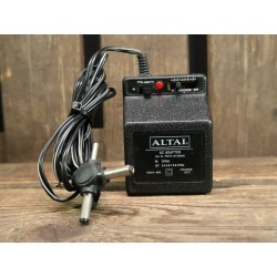 Multi voltage adapter